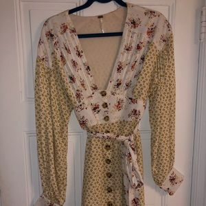 Free People front button up dress. Worn once !